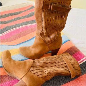 Shoes - Women's suede boots (Aquatalia)